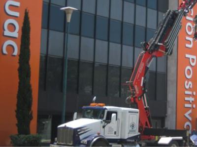Grúa articulada de 30 tons